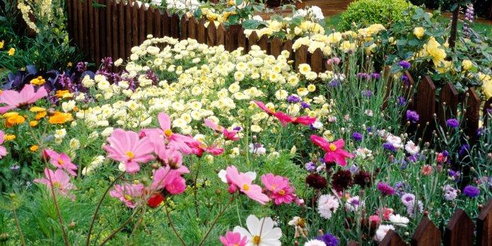 landscape-1502391752-cottage-garden-696x348